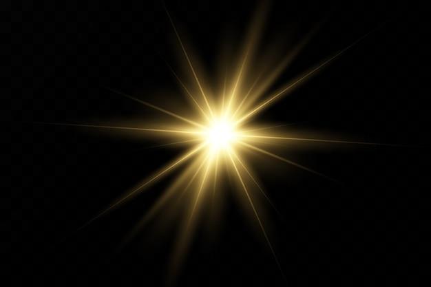 Ensemble De Flashs, Lumières Et étincelles Sur Un Fond Transparent. L'or Brillant Clignote Et éblouit. Lumières Dorées Abstraites Isolées Rayons Lumineux De Lumière. Des Lignes éclatantes. Vecteur Premium