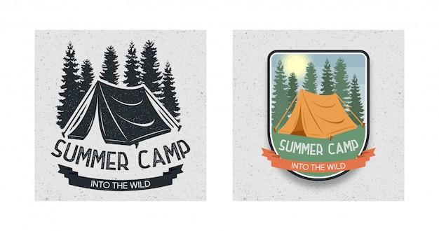 Ensemble de logo d'été camping dans la nature Vecteur Premium