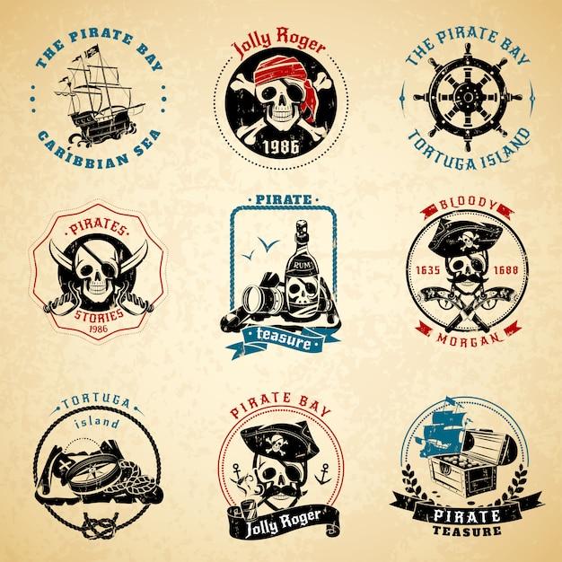 Ensemble de papier ancien vintage emblèmes de pirate Vecteur gratuit