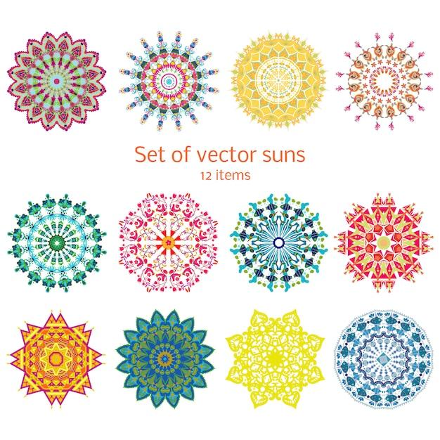 Ensemble De Soleils Décoratifs Décoratifs Colorés Vecteur gratuit
