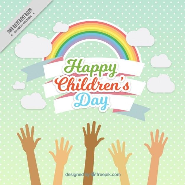 Enthousiaste fond arc en ciel avec les enfants les mains levées Vecteur gratuit