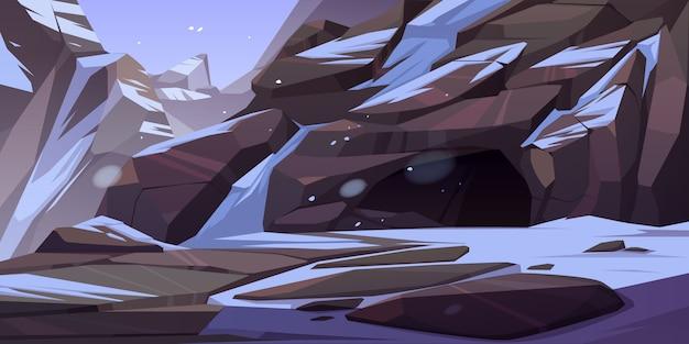 Entrée De La Grotte En Montagne Avec Glace Et Neige Sur Les Rochers Autour. Grotte, Tunnel Souterrain Caché Ou Caverne, Paysage Naturel D'hiver Vecteur gratuit