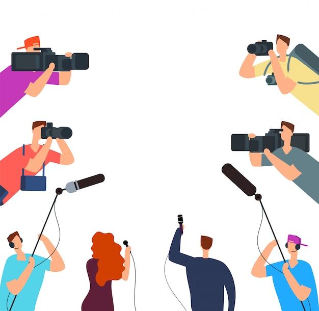 Entretien Diffusé. Journalistes De Télévision Avec Caméra Et Microphones En Ligne. Nouvelles Sur Le Concept De Vecteur D'air Vecteur Premium