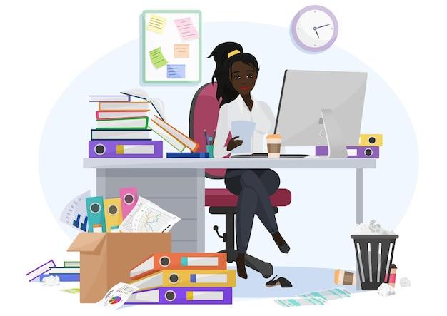 Épuisée Et Submergée Par Le Travail, Une Employée Noire Afro-américaine Reste Tard Au Bureau Vecteur Premium