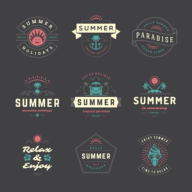 Étiquettes De Vacances D'été Et Badges Rétro Typographie Définie. Vecteur Premium