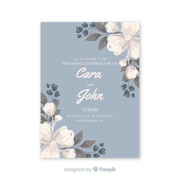 Faire-part de mariage bleu clair avec des fleurs à l'aquarelle Vecteur gratuit