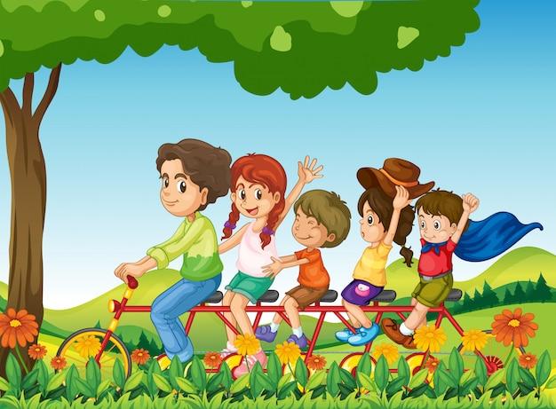 Une famille heureuse à vélo Vecteur gratuit