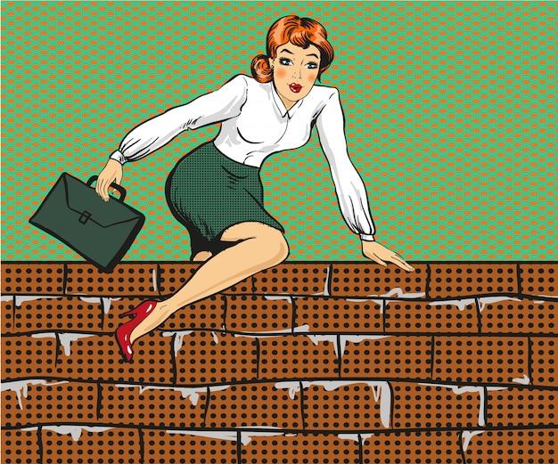 Femme d'affaires grimpant par-dessus la clôture dans un style pop art Vecteur Premium