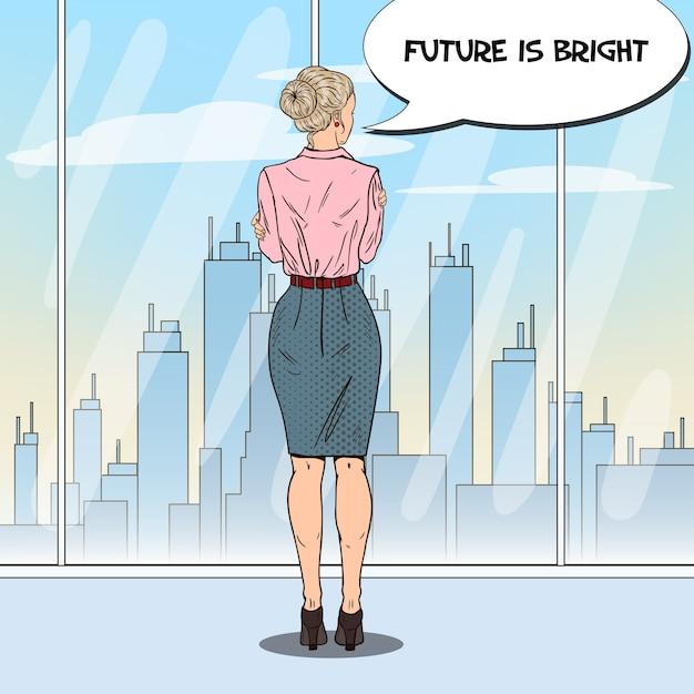 Femme D'affaires Pop Art Regardant La Ville Par La Fenêtre Au Bureau. Vecteur Premium