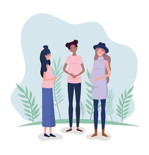 Femmes interraciales mignonnes grossesse dans le paysage Vecteur gratuit
