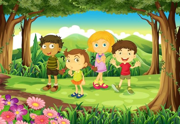 Une forêt avec quatre enfants Vecteur gratuit