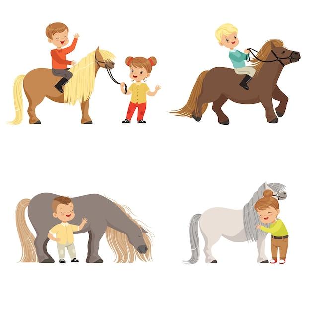 Funny Little Kids Riding Poneys Et Prenant Soin De Leur Jeu De Chevaux, Sport équestre, Illustrations Sur Fond Blanc Vecteur Premium
