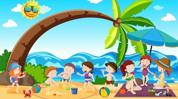 Garçons, filles et amis actifs pratiquant des activités sportives en plein air Vecteur gratuit