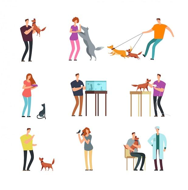 Gens heureux propriétaire de l'animal. homme, femme et famille s'entraînant et jouant avec des animaux domestiques, personnages de dessin animé isolés Vecteur Premium