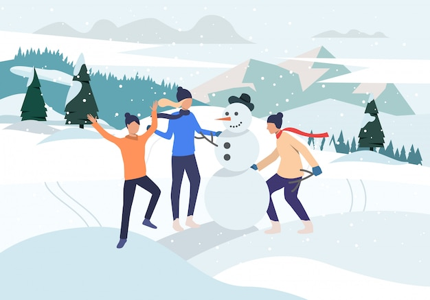 Gens qui font bonhomme de neige en plein air Vecteur gratuit
