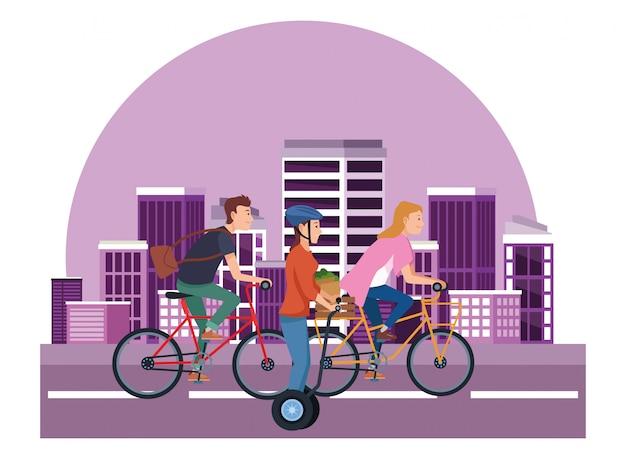 Les gens sur les vélos et les scooters électriques Vecteur Premium