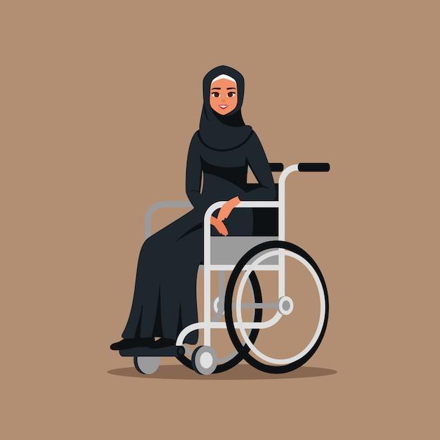 Handicapé arabe jeune fille en fauteuil roulant. femme d'affaires musulmane portant le hijab et une abaya noire est assise dans la voiture invalide. illustration vectorielle en style cartoon plat. Vecteur Premium