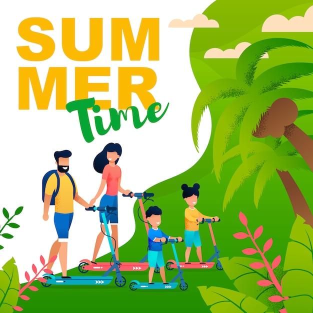 Heure d'été illustration plate dans un style tropical avec la famille sur les scooters. Vecteur Premium