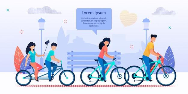 Heureuse famille à vélo ensemble dans la bande dessinée du parc de la ville Vecteur Premium