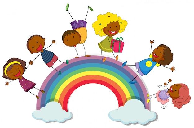 Heureux enfants debout sur l'arc-en-ciel Vecteur gratuit