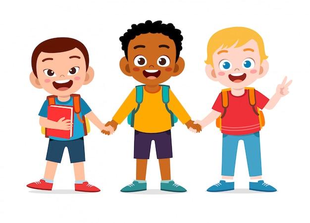 Heureux Garçons Mignons Enfants Prêts à Aller à L'école Vecteur Premium