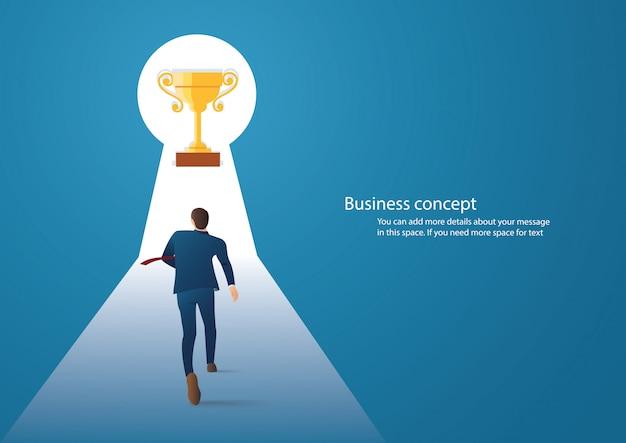 Homme d'affaires marchant dans le trophée en trou de serrure Vecteur Premium