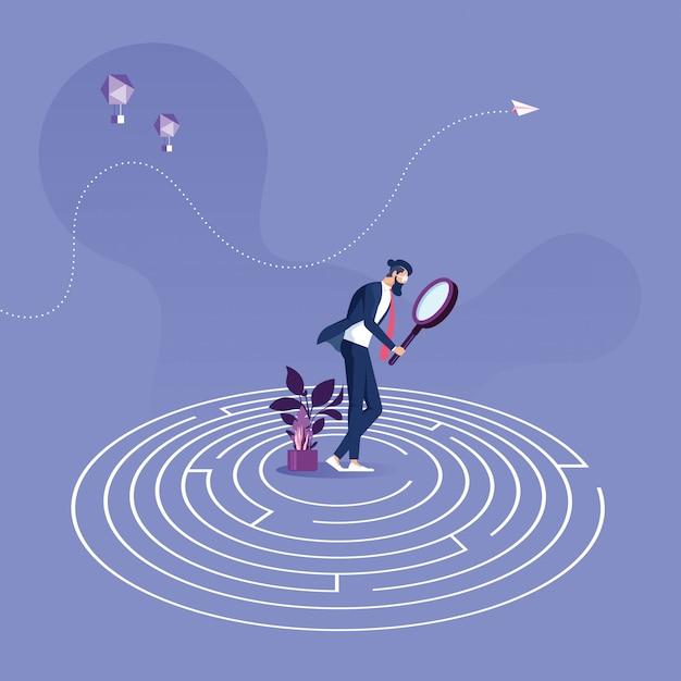 Homme Affaires, Stand, Centre, Labyrinthe, Essayer, Trouver, Sortie Vecteur Premium
