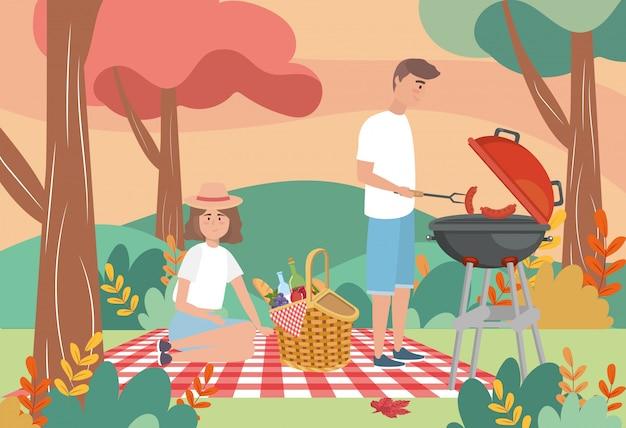 Homme dans les saucisses grillées et femme avec de la nourriture Vecteur gratuit