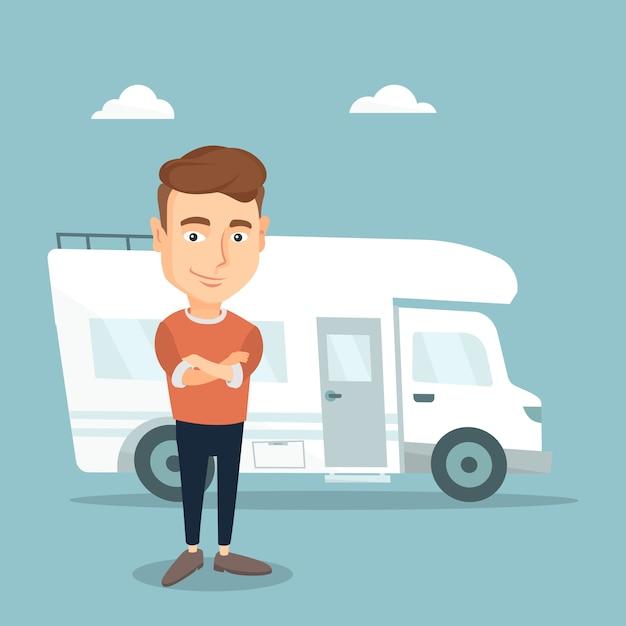Homme Debout Devant Le Camping-car. Vecteur Premium