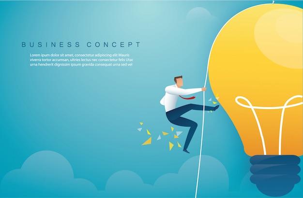 Homme, escalade, ampoule concept de pensée créative Vecteur Premium