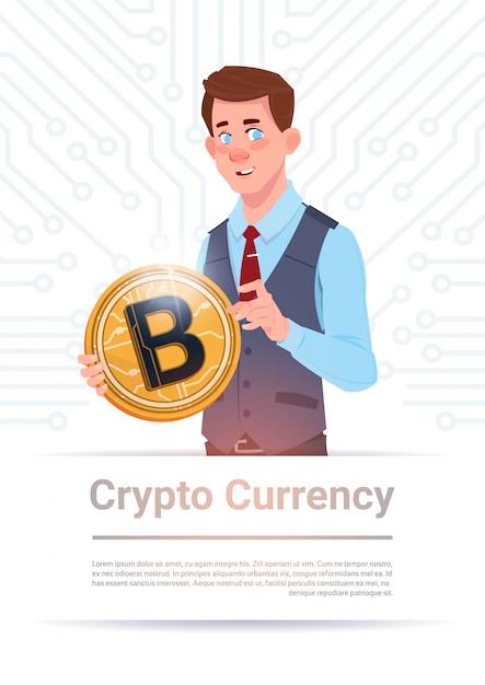 Homme, tenue, bitcoin doré, sur, circuit, carte mère, fond Vecteur Premium