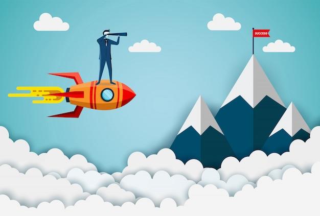 Hommes d'affaires debout tenant des jumelles sur une navette spatiale vont à la cible du drapeau rouge sur les montagnes Vecteur Premium