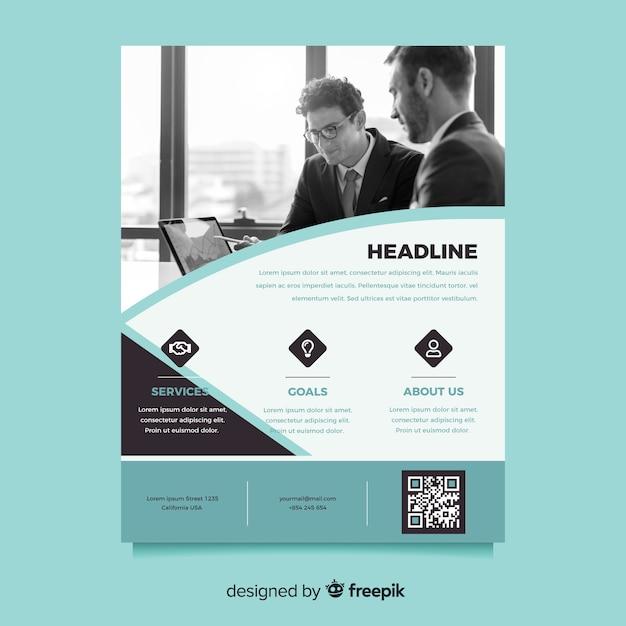 Idée de flyer d'affaires avec des hommes qui parlent dans un bureau Vecteur gratuit