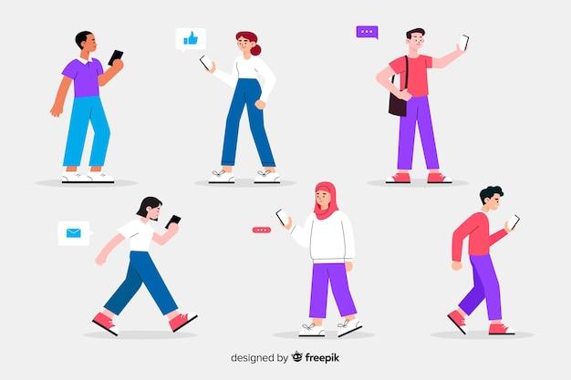 Illustration colorée avec des personnes tenant des smartphones Vecteur gratuit
