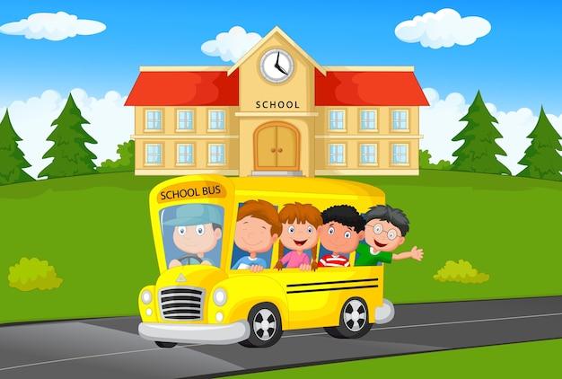 Illustration d'enfants dans un autobus scolaire Vecteur Premium