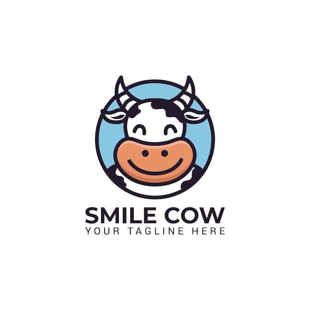 Illustration de personnage mascotte vache mignonne sourire au logo de cercle rond pour vecteur lait ferme Vecteur Premium