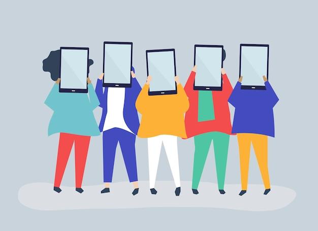 Illustration de personnages de personnes tenant des tablettes numériques Vecteur gratuit