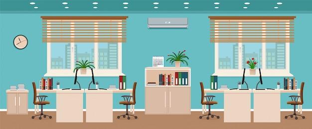 Intérieur De Bureau Comprenant Quatre Espaces De Travail Avec Fenêtre Extérieure Sur Le Paysage Urbain. Vecteur Premium