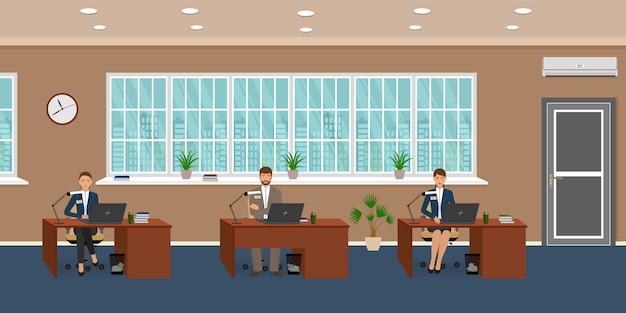 Intérieur De Salle De Bureau Avec Trois Lieux De Travail Et Employé. Les Ouvriers Travaillent Sur Les Ordinateurs. Vecteur Premium