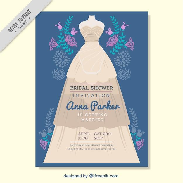 invitation nuptiale de douche avec des fleurs pourpres et robe de mariée Vecteur gratuit
