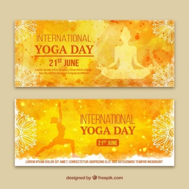 Jaune bannières jour aquarelle de yoga Vecteur gratuit
