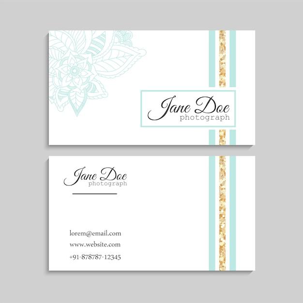 Jeu de carte de visite avec fleurs dessinées à la main zentangle Vecteur Premium