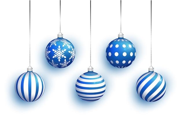 Jeu De Jouet Arbre De Noël Bleu Isolé Sur Fond Blanc. Stockage Des Décorations De Noël. Vecteur Premium