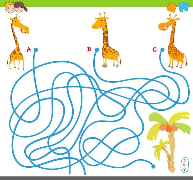 Jeu de labyrinthe avec girafes et palmiers Vecteur Premium