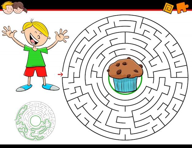 Jeu de labyrinthe pour enfants avec garçon et muffin Vecteur Premium