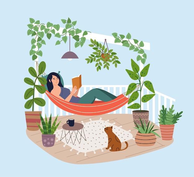 Jeune Femme Se Détendre Dans Un Hamac Sur La Terrasse. Livre De Lecture Fille Sur Le Balcon Vecteur Premium