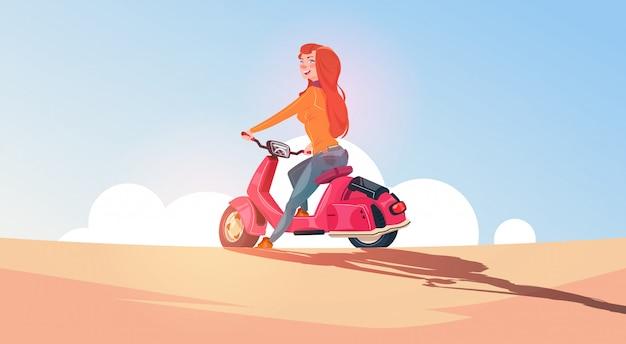 Jeune Fille, équitation, Scooter électrique, Voyage, Sur, Moto Vintage, Dehors, Sur, Ciel Bleu, Paysage Vecteur Premium