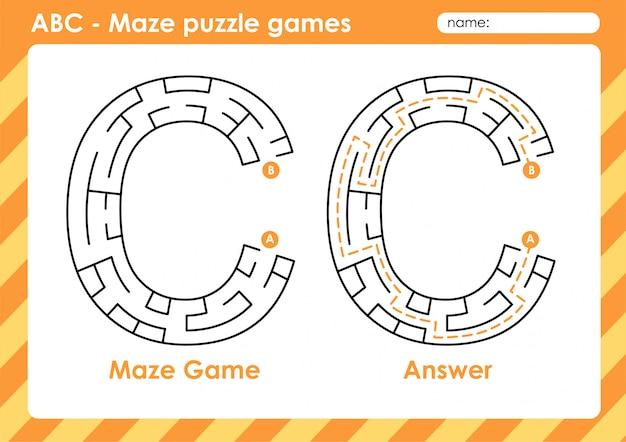 Jeux De Puzzle De Labyrinthe - Alphabet A à Z Jeu De Jeu Amusant Pour Les Enfants Lettre: C Vecteur Premium