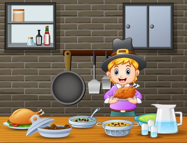 Joli garçon tenant un rôti sur la table à manger Vecteur Premium