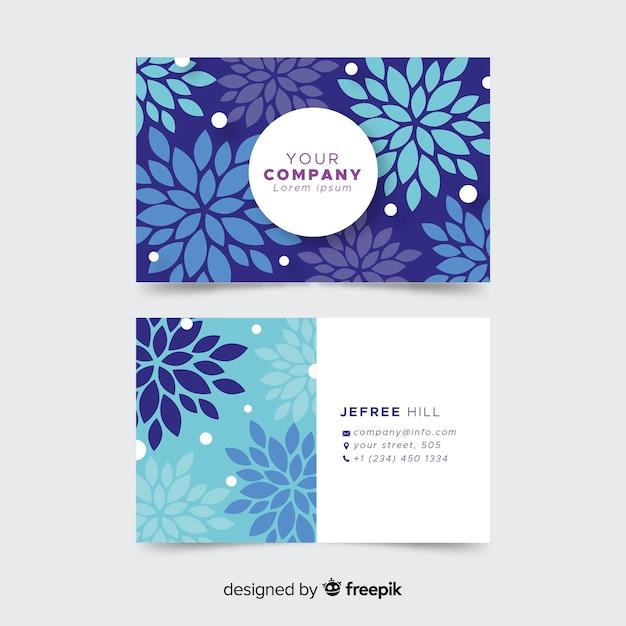 Joli modèle de carte de visite avec un style floral Vecteur gratuit